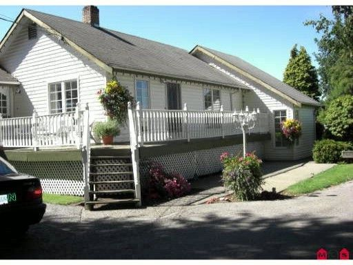 Main Photo: 32491 HUNTINGDON RD in Abbotsford: Poplar House for sale : MLS®# F1007010