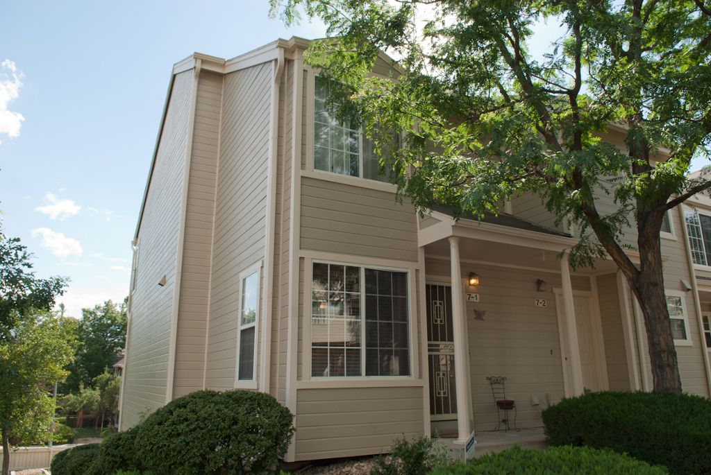 Main Photo: 1818 S Quebec Way 7-B7-1 in Denver: Residential Attached for sale : MLS®# 922175