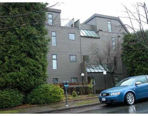 "Main Photo: 204 2001 BALSAM Street in Vancouver: Kitsilano Condo for sale in ""BALSAM MEWS"" (Vancouver West)  : MLS®# V679890"