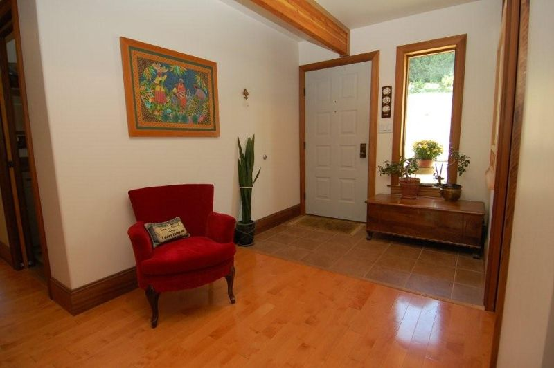 Photo 4: Photos: 3431 KINGBURNE DRIVE in COBBLE HILL: House for sale : MLS®# 283933