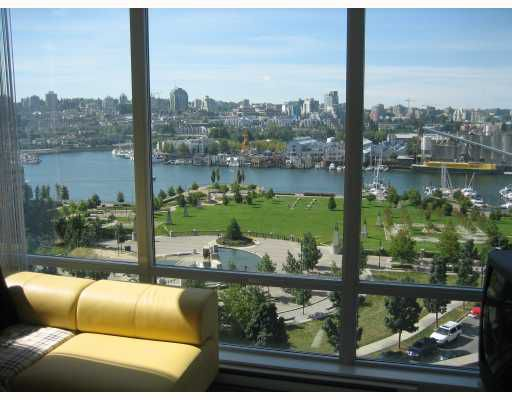 """Main Photo: 1002 1495 RICHARDS Street in Vancouver: False Creek North Condo for sale in """"AZURA II"""" (Vancouver West)  : MLS®# V665190"""