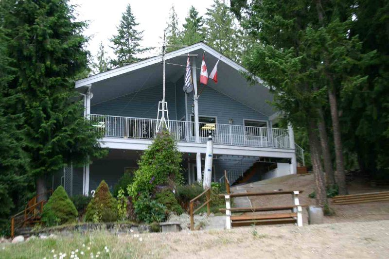 Main Photo: 665 Park Road SE in Enderby: Waterfront with home Residential Detached for sale (Salmon Arm)  : MLS®# 9220355