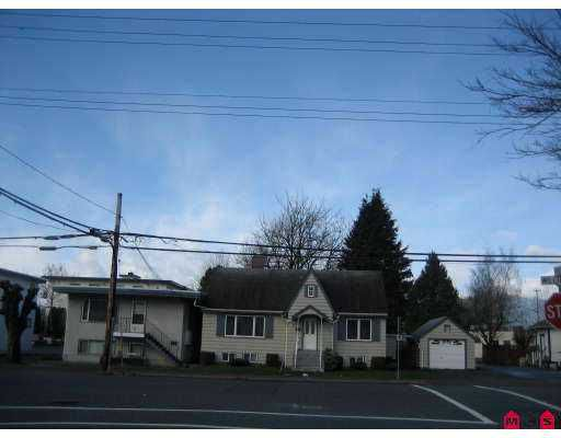 Main Photo: 9373 WILLIAMS Street in Chilliwack: Chilliwack E Young-Yale House for sale : MLS®# H2701210