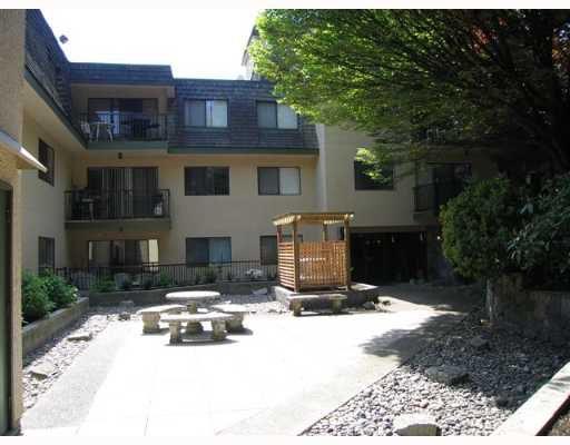 "Main Photo: 105 466 E 8TH Ave in New Westminster: Sapperton Condo for sale in ""Park Villa"" : MLS®# V648026"