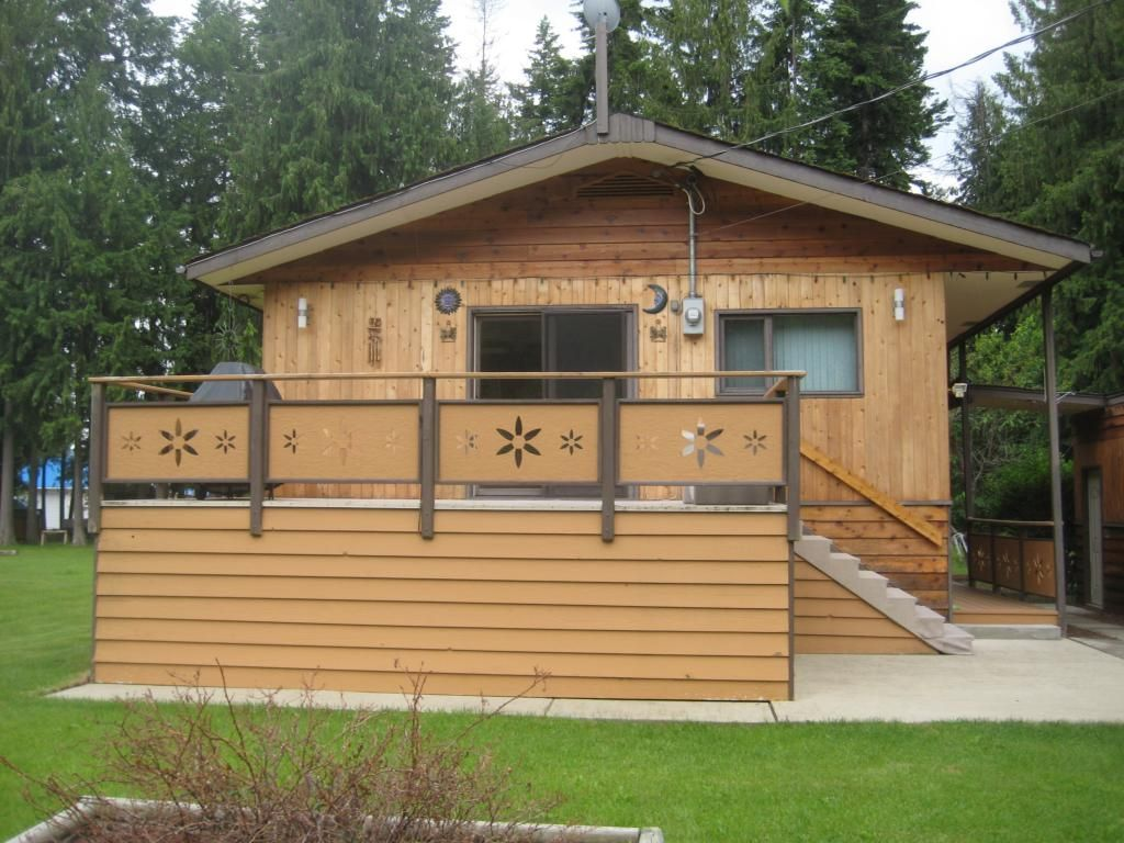 Main Photo: 4222 Saratoga Road in Scotch Creek: Residential Detached for sale : MLS®# 10030681