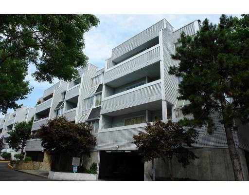 """Main Photo: 105 7471 BLUNDELL Road in Richmond: Brighouse South Condo for sale in """"CANTEBURY COURT"""" : MLS®# V658880"""