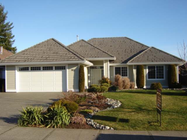 Main Photo: 984 MONARCH DRIVE in COURTENAY: House for sale : MLS®# 327924