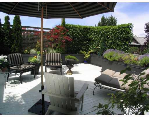 """Main Photo: 1960 CREELMAN Avenue in Vancouver: Kitsilano House 1/2 Duplex for sale in """"KITS POINT"""" (Vancouver West)  : MLS®# V667745"""