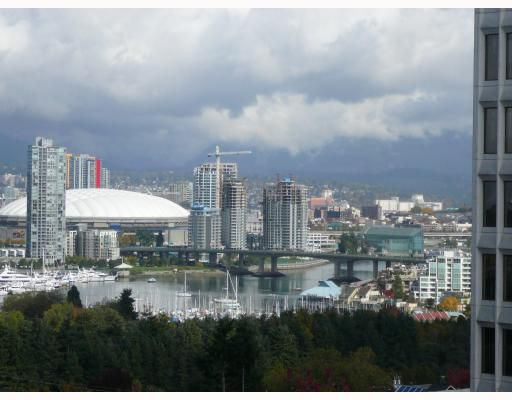 "Main Photo: 708 1030 W BROADWAY BB in Vancouver: Fairview VW Condo for sale in ""LA COLOMBA"" (Vancouver West)  : MLS®# V673325"