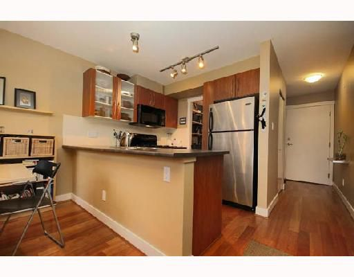"Main Photo: 301 736 W 14TH Avenue in Vancouver: Fairview VW Condo for sale in ""BRAEBERN"" (Vancouver West)  : MLS®# V677439"