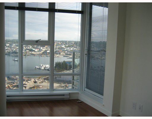 """Photo 5: Photos: 2008 111 W GEORGIA Street in Vancouver: Downtown VW Condo for sale in """"SPECTRUM 1"""" (Vancouver West)  : MLS®# V679453"""
