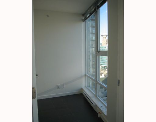 """Photo 6: Photos: 2008 111 W GEORGIA Street in Vancouver: Downtown VW Condo for sale in """"SPECTRUM 1"""" (Vancouver West)  : MLS®# V679453"""