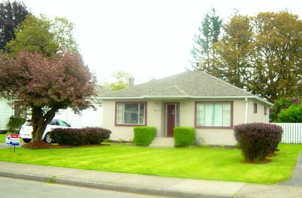Main Photo: 46174 Lewis Avenue in Chilliwack: House for sale : MLS®# H1102283