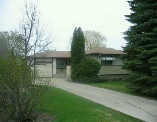 Main Photo: 22 LIVINGSTON Place in Winnipeg: Fort Garry / Whyte Ridge / St Norbert Single Family Detached for sale (South Winnipeg)  : MLS®# 2506822