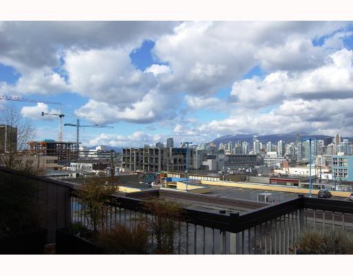 "Main Photo: 407 345 W 10TH Avenue in Vancouver: Mount Pleasant VW Condo for sale in ""VILLA MARQUIS"" (Vancouver West)  : MLS®# V697809"