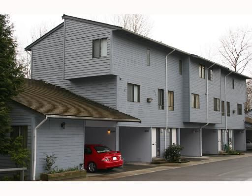 """Main Photo: 8276 AMBERWOOD Place in Burnaby: Forest Hills BN Townhouse for sale in """"FOREST MEADOWS"""" (Burnaby North)  : MLS®# V696345"""