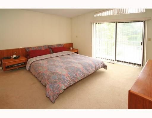 Photo 8: Photos: 820 SIGNAL CT in Coquitlam: House for sale : MLS®# V786806