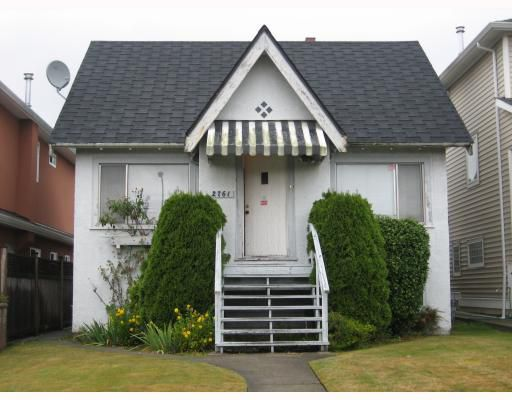 Main Photo: 2761 E 7TH Avenue in Vancouver: Renfrew VE House for sale (Vancouver East)  : MLS®# V669821