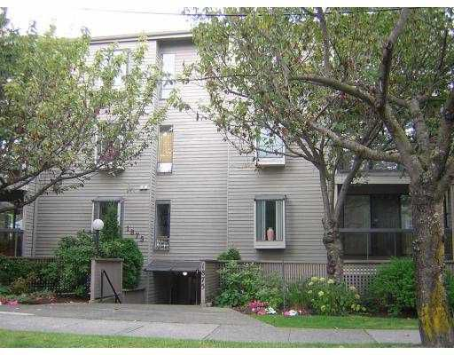 "Main Photo: 305 1875 W 8TH Avenue in Vancouver: Kitsilano Condo for sale in ""THE WESTERLY"" (Vancouver West)  : MLS®# V670341"