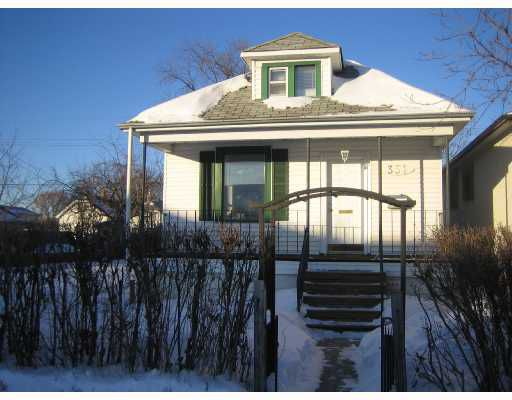 Main Photo: 351 LARSEN Avenue in WINNIPEG: East Kildonan Residential for sale (North East Winnipeg)  : MLS®# 2802173