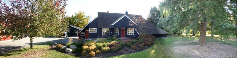 Main Photo: 5670 - 30th Street N.E. in Salmon Arm: Ranch Residential Detached for sale : MLS®# 10004905