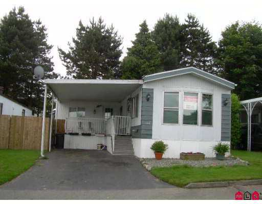 Main Photo: 102 8224 134TH Street in Surrey: Queen Mary Park Surrey Manufactured Home for sale : MLS®# F2715136