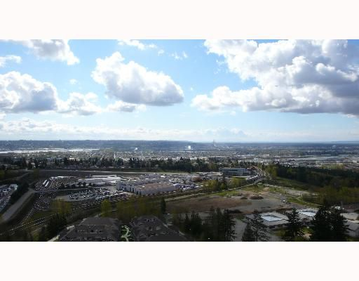 """Main Photo: 2102 6888 STATION HILL Drive in Burnaby: South Slope Condo for sale in """"SAVOY CARLTON"""" (Burnaby South)  : MLS®# V641385"""