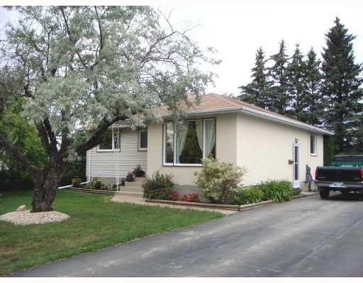 Main Photo: 37 MAYBANK Drive in WINNIPEG: Fort Garry / Whyte Ridge / St Norbert Single Family Detached for sale (South Winnipeg)  : MLS®# 2713961