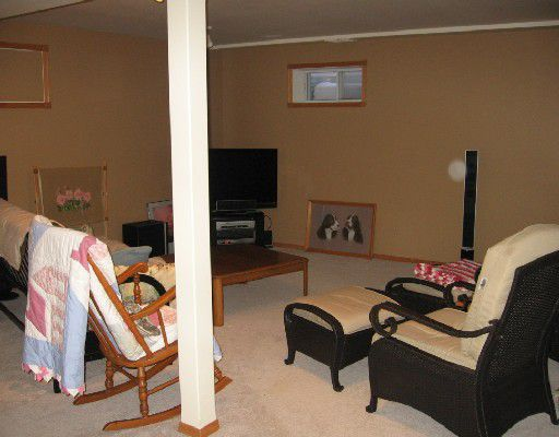 """Photo 7: Photos: 5543 53RD Street in Fort_Nelson: Fort Nelson -Town House for sale in """"HILL"""" (Fort Nelson (Zone 64))  : MLS®# N180550"""