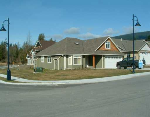 """Main Photo: 507 SHAW Road in Gibsons: Gibsons & Area House for sale in """"W"""" (Sunshine Coast)  : MLS®# V580770"""