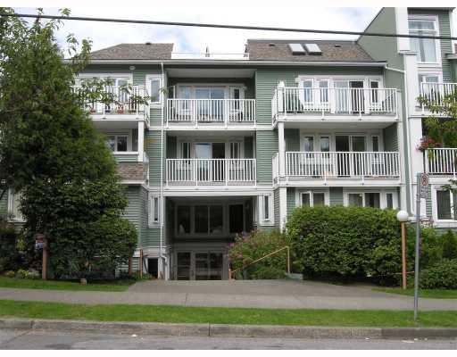 """Main Photo: 2 1949 W 8TH Avenue in Vancouver: Kitsilano Condo for sale in """"VILLAS PACIFICA"""" (Vancouver West)  : MLS®# V662087"""