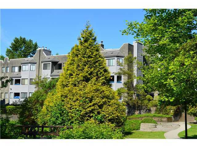 "Main Photo: # 305 9890 MANCHESTER DR in Burnaby: Cariboo Condo for sale in ""BROOKSIDE COURT"" (Burnaby North)  : MLS®# V892768"