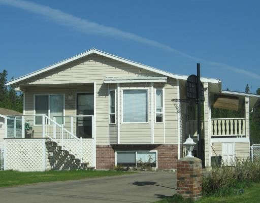 Main Photo: 5204 COTTONWOOD Road in Fort_Nelson: Fort Nelson -Town House for sale (Fort Nelson (Zone 64))  : MLS®# N180436