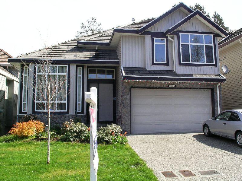 Main Photo: 5832 139TH Street in Surrey: Panorama Ridge House for sale : MLS®# F2810326