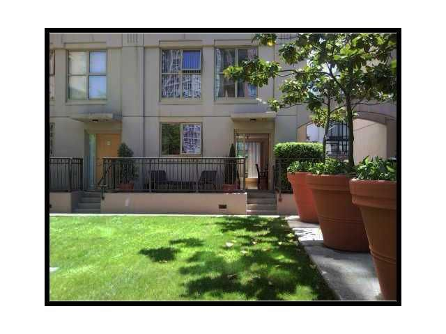 """Main Photo: TH8 - 989 Richards St. in Vancouver: Downtown Townhouse for sale in """"Mondrian"""" (Vancouver West)  : MLS®# V864892"""