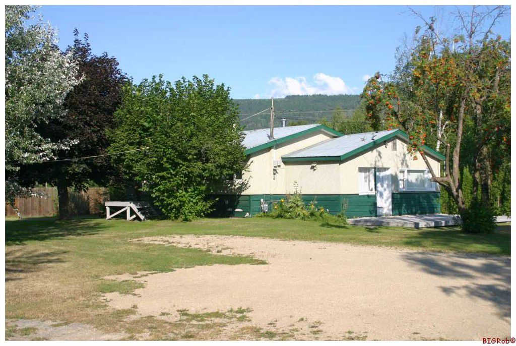 Main Photo: 4921 SE 10 AVE in Salmon Arm: South Canoe House for sale : MLS®# 10076943