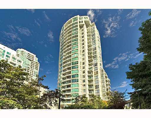 "Main Photo: PH1 1500 HOWE Street in Vancouver: False Creek North Condo for sale in ""DISCOVERY"" (Vancouver West)  : MLS®# V677666"