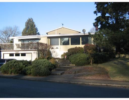 Main Photo: 7587 KRAFT Place in Burnaby: Government Road House for sale (Burnaby North)  : MLS®# V683758