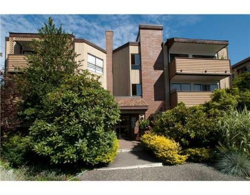 Main Photo: 319-206 East 15th Street in North Vancouver: Central Lonsdale Condo for sale : MLS®# V847510