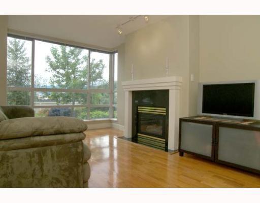 Main Photo: 202 1818 W 6TH Avenue in Vancouver: Kitsilano Condo for sale (Vancouver West)  : MLS®# V652534
