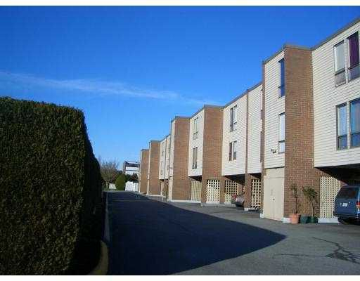 "Main Photo: 13 10200 4TH AV in Richmond: Steveston North Townhouse for sale in ""MANOAH VILLAGE"" : MLS®# V578254"