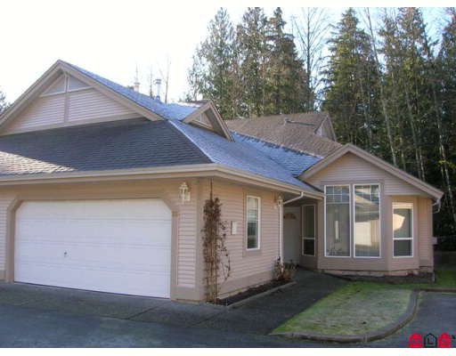 """Main Photo: 26 9025 216TH Street in Langley: Walnut Grove Townhouse for sale in """"COVENTRY WOODS"""" : MLS®# F2800819"""