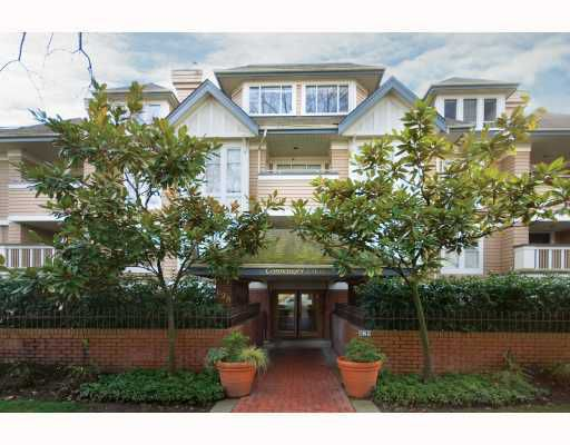 """Main Photo: 206 628 W 13TH Avenue in Vancouver: Fairview VW Condo for sale in """"CONNAUGHT ESTATES"""" (Vancouver West)  : MLS®# V696443"""