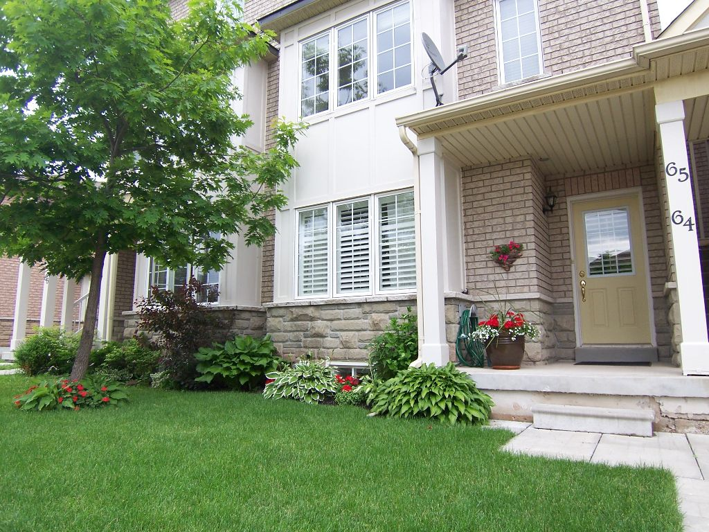 Main Photo: 64 1489 Heritage Way in Oakville: Condo for sale : MLS®# 2032108