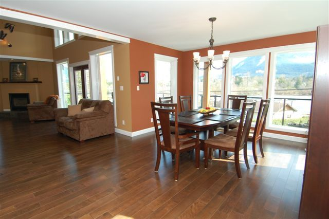 Photo 12: Photos: 243 NORTH SHORE ROAD in LAKE COWICHAN: House for sale : MLS®# 294475