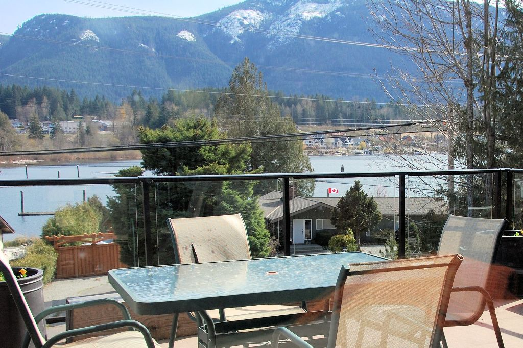 Photo 9: Photos: 243 NORTH SHORE ROAD in LAKE COWICHAN: House for sale : MLS®# 294475