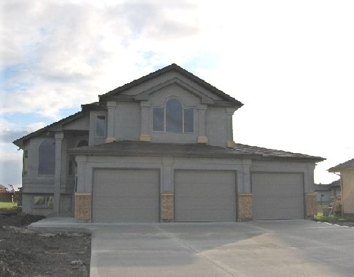 Main Photo: 70 Mariners in West St Paul: Single Family Detached for sale (R15 Winnipeg and Area Manitoba)  : MLS®# 2815120