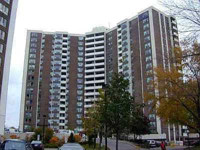 Main Photo: 13 5 Vicora Linkway Way in Toronto: Condo for sale (E03: TORONTO)  : MLS®# E1891330