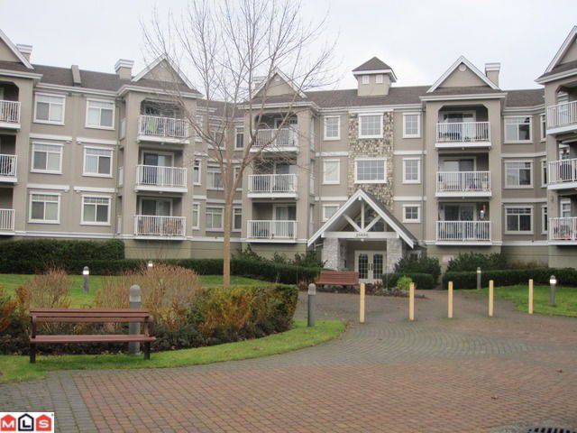 """Main Photo: 213 20896 57TH Avenue in Langley: Langley City Condo for sale in """"BAYBERRY"""" : MLS®# F1029305"""