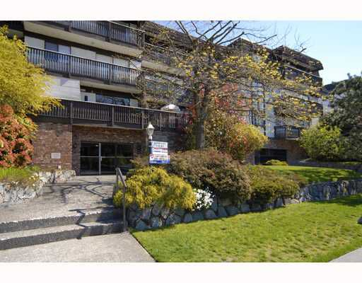 Main Photo: 106 270 W 3RD Street in North_Vancouver: Lower Lonsdale Condo for sale (North Vancouver)  : MLS®# V763880